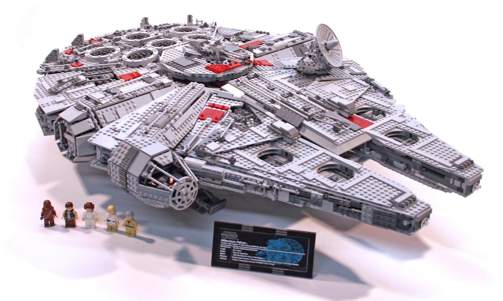 LEGO 10197 Ultimate Collector's Millennium Falcon